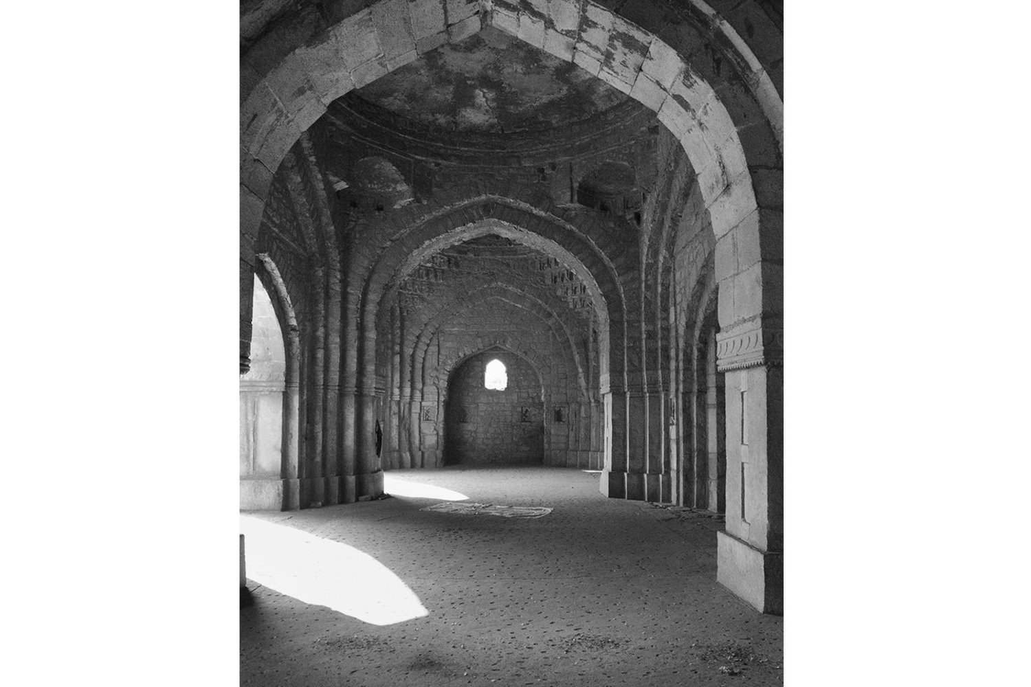 Sherry Wiggins, _Arcade of the Jamali Mosque at Mehrauli Park_